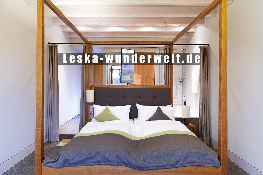 Leska-Wunderwelt-Fotografin-Wuerzburg-Fotoshooting-Interieur-Raum-Gebaeude-Gewerbe-Wand-Zimmer-Zuhause-Wohlgefuehl-Fenster-Aussicht-Schloss-Schlosshotelsteinburg-Steinburg-Hotel-Bad-Schlafzimmer-Hotelzimmer-97.jpg