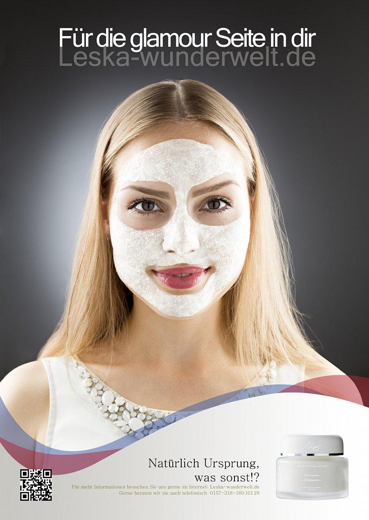 Leska-Wunderwelt-Fotografin-Wuerzburg-Fotoshooting-Studio-Profie-Maske-Beauty-Frau-Gesichtsmaske-Glitzer-Schoenheit-Firma-Ursprung-Glamour.jpg
