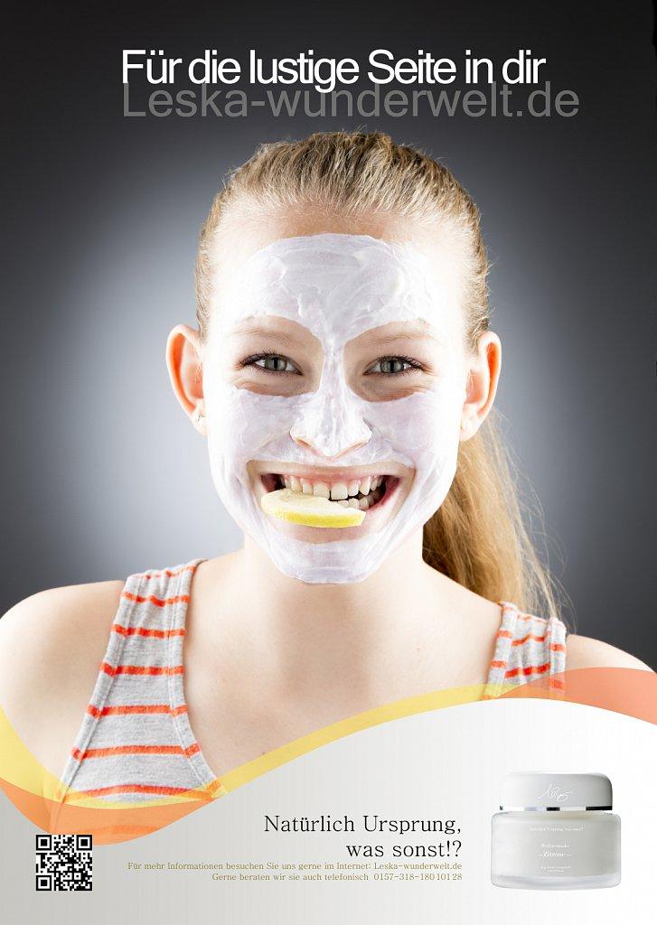 Leska-Wunderwelt-Fotografin-Wuerzburg-Fotoshooting-Studio-Profie-Maske-Beauty-Frau-Gesichtsmaske-Zitrone-erfrischend-Schoenheit-Firma-Ursprung-Lustig.jpg