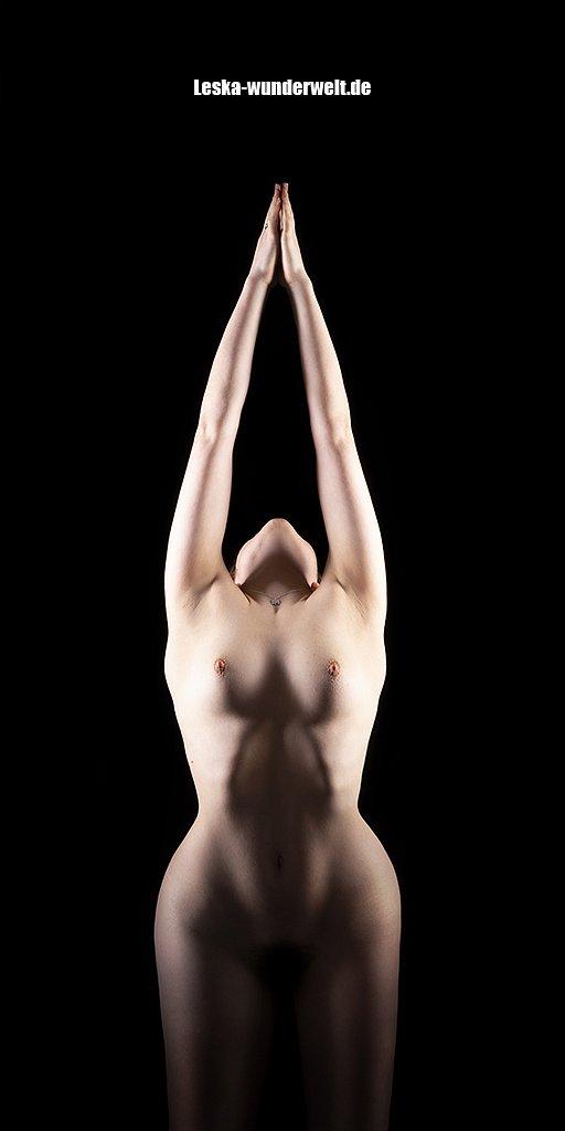 Leska-Wunderwelt-Fotografin-Wuerzburg-Fotoshooting-Profie-Frau-Akt-erotik-Purismus-85.jpg