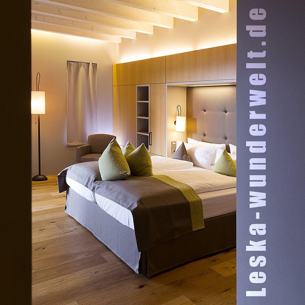 Leska-Wunderwelt-Fotografin-Wuerzburg-Fotoshooting-Interieur-Raum-Gebaeude-Gewerbe-Wand-Zimmer-Zuhause-Wohlgefuehl-Fenster-Aussicht-Schloss-Schlosshotelsteinburg-Steinburg-Hotel-Bad-Schlafzimmer-Hotelzimmer-271.jpg
